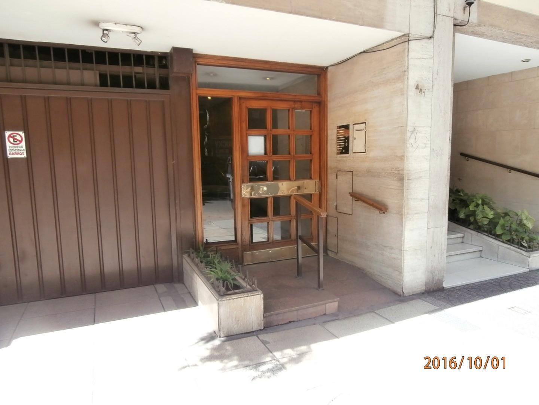 Departamento  chico en ALMAGRO --    cercana Hosp Italiano