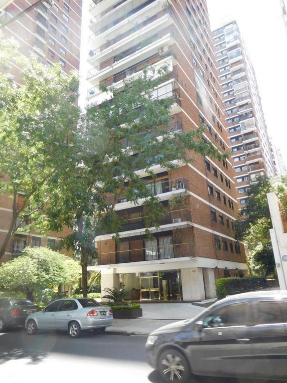 Belgrano, excelente piso alto, con 3 dorm, 2 bños, toilette, dependencias, COCHERA, baulera