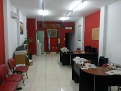 Alquiler Caseros entre Mitre y Tres de Febrero son 50m espacio 4 estaciones de trabajo