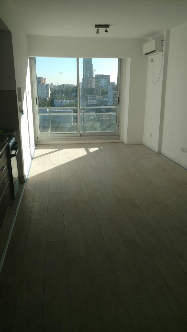 Espectacular monoambiente dividido. Todo externo. Contrafrente c balcon Luz y sol.