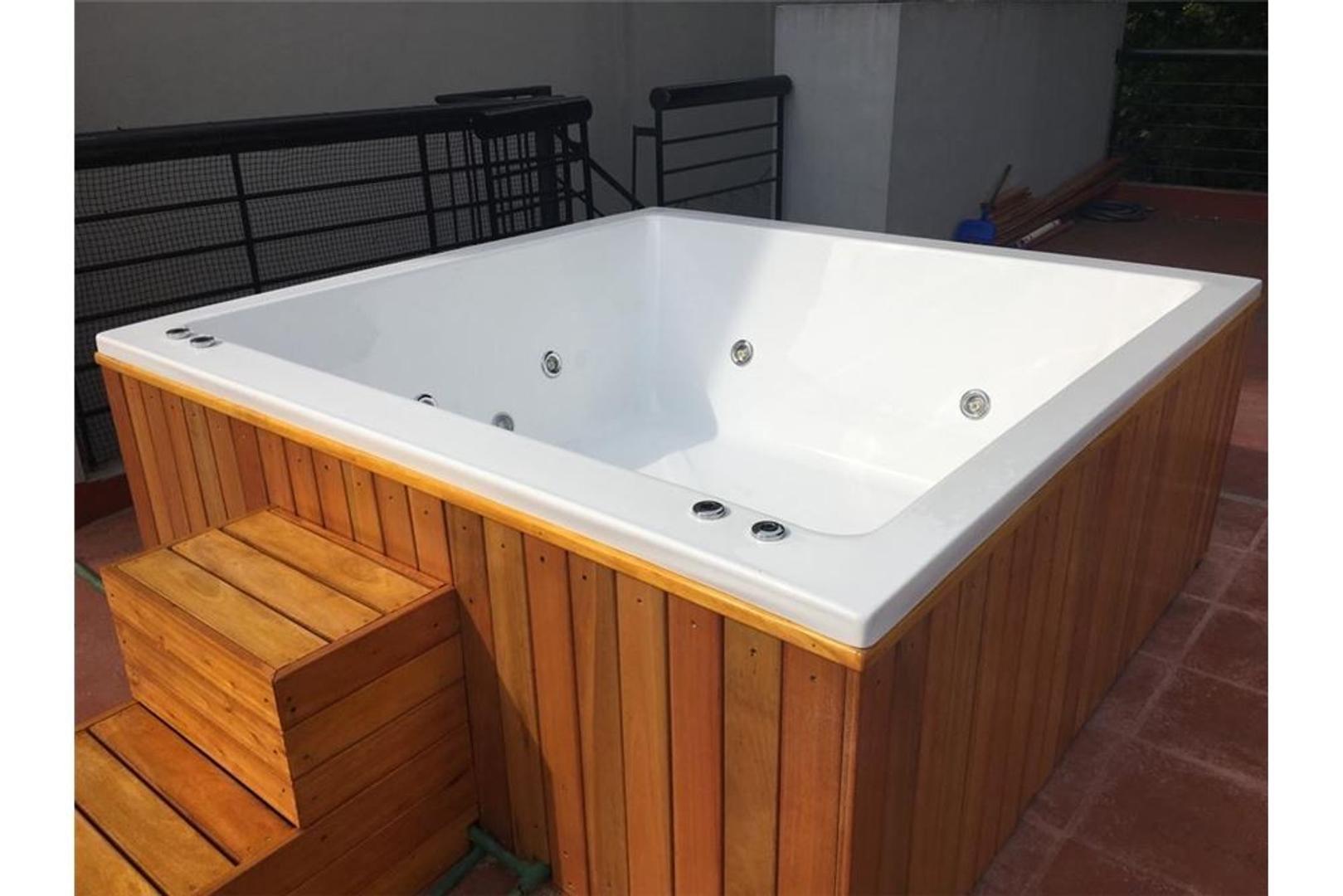 Casa en Venta - 5 ambientes - USD 345.000