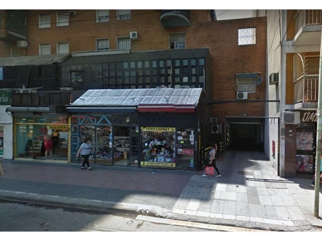 Cochera en Av. San Pedrito y Rivadavia - Ideal Inversor con Buena Renta