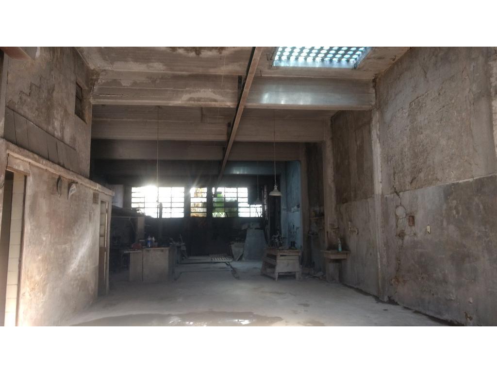 GALPON, TECHO DE LOSA, LOTE 8.66X 35, ZONA E 3