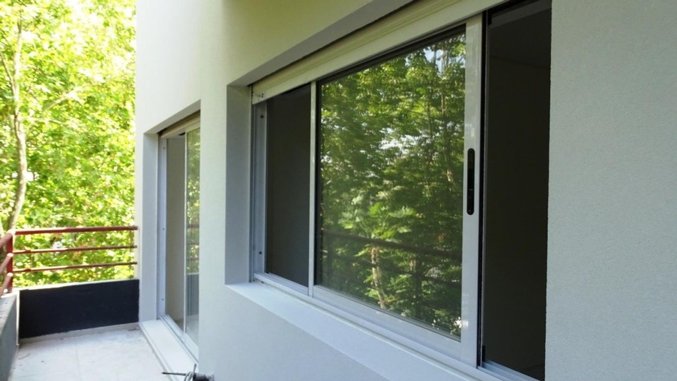 Depto. de 3 ambientes al frente con balcón corrido entrega Mayo 2018.