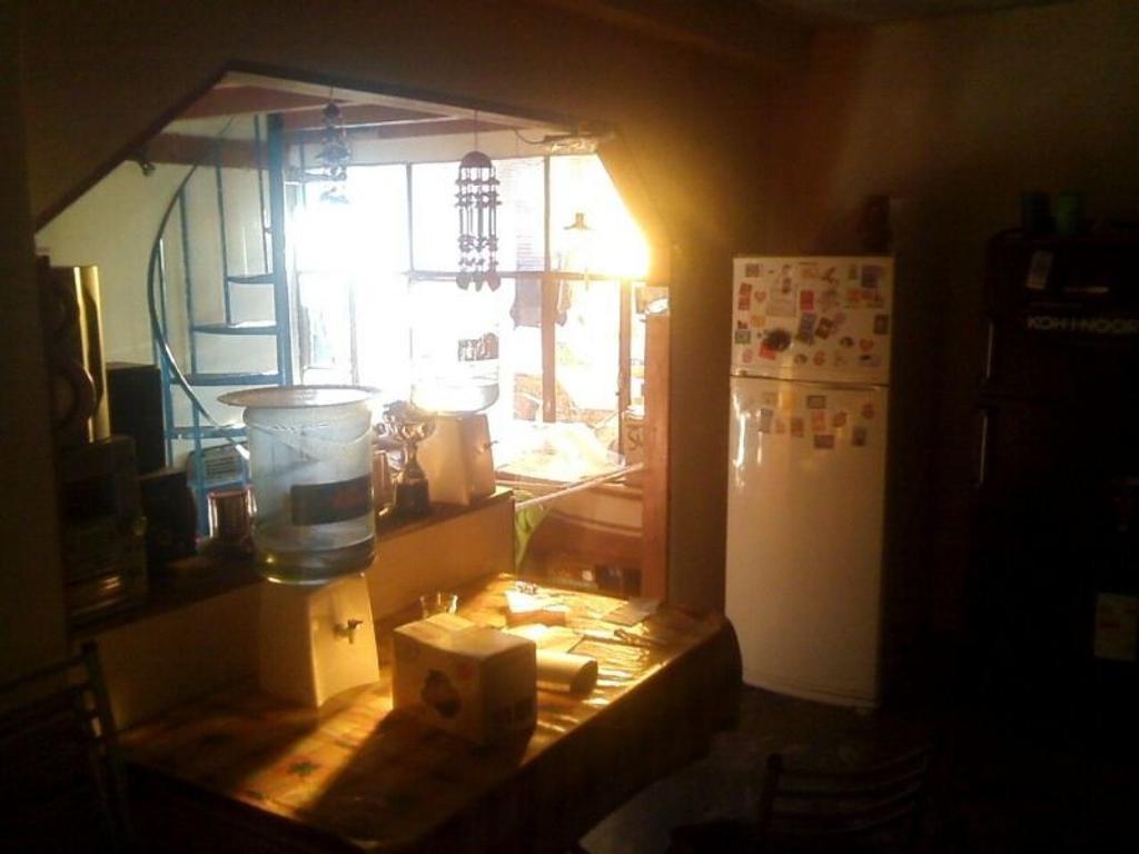 Lanús, 10 mts de Pavón, Ph 3 dormitorios en planta alta. Real Oportunidad.