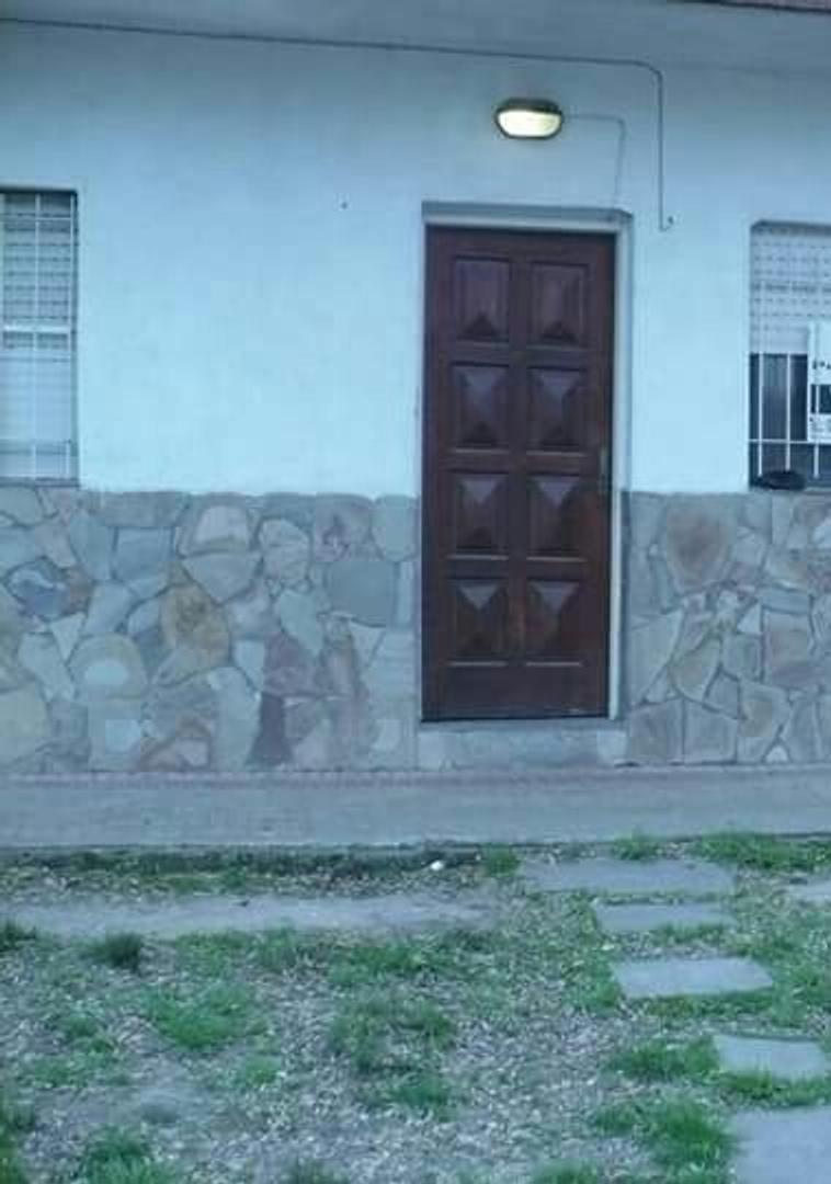 PH al frente de dos dormitorios en venta en La Plata