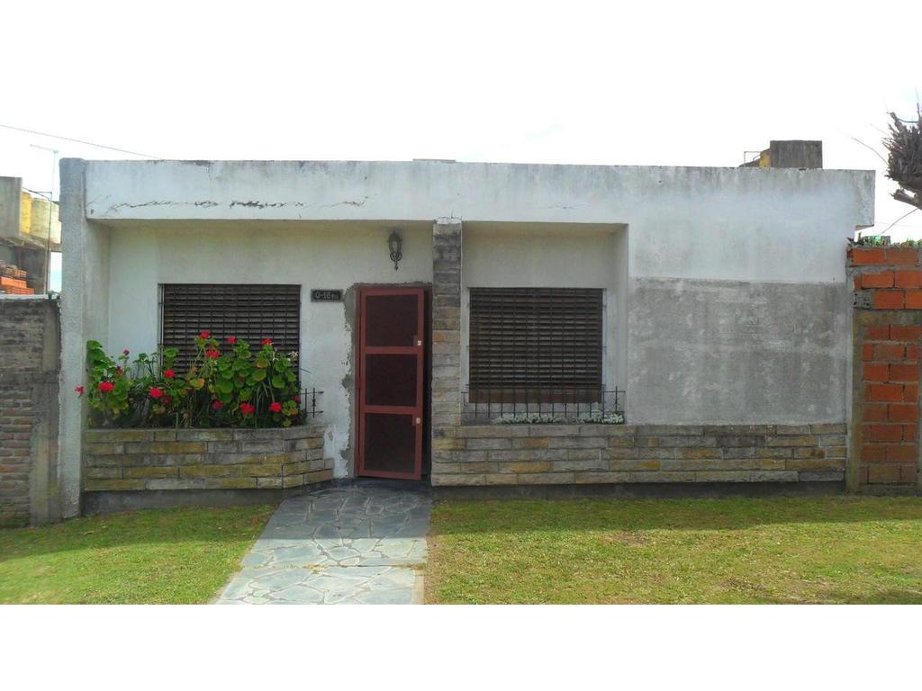 Casa en Alquiler La Plata Calle 12 bis y 83 Dacal Bienes Raices
