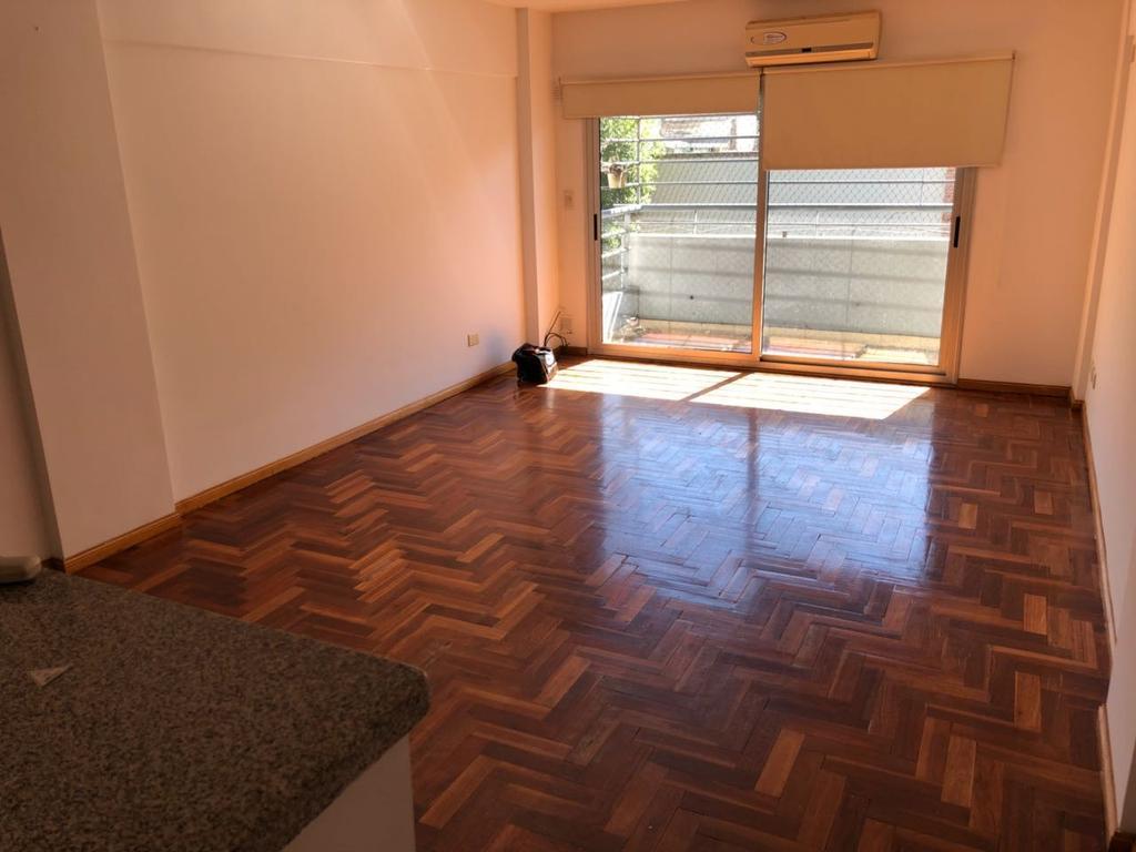 Venta departamento de 2 ambientes con cochera en Palermo. Dueño directo!