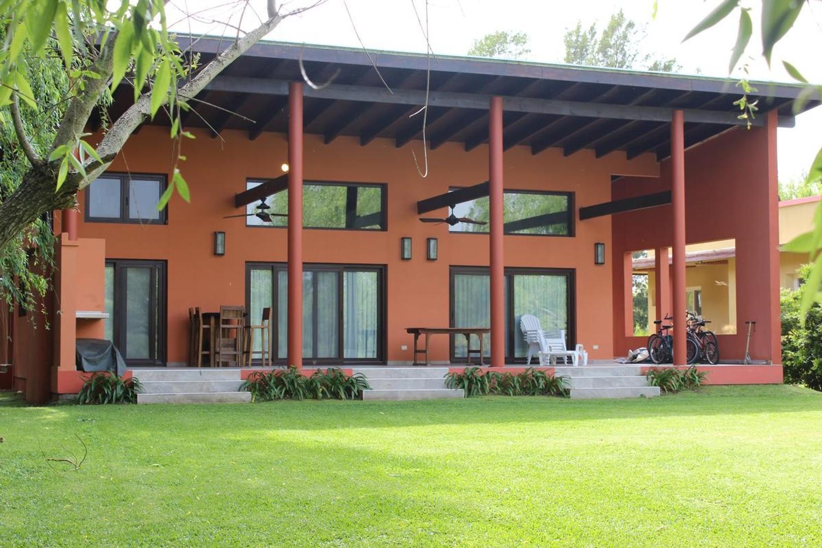 Casa en Venta en Isla Santa Monica - 6 ambientes