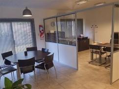 EXCELENTE OFICINA EN VENTA DOS PLANTAS CON RENTA