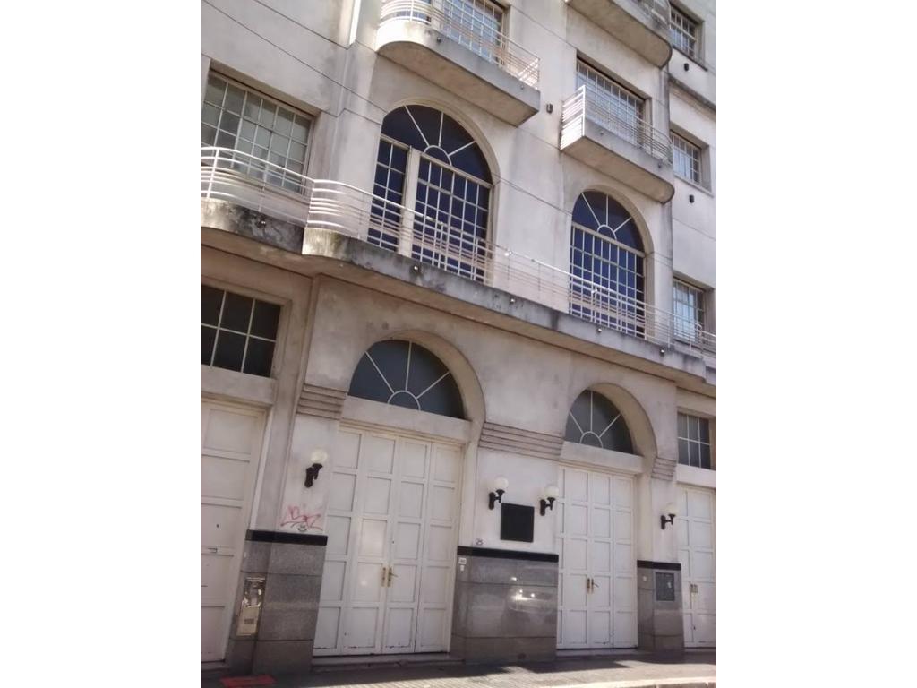 PIEDRAS - HUMBERTO 1º - EDIFICIO EN BLOCK 3.800 m2