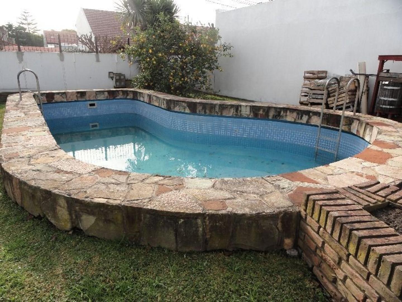 Venta Chalet con piscina y Garage doble
