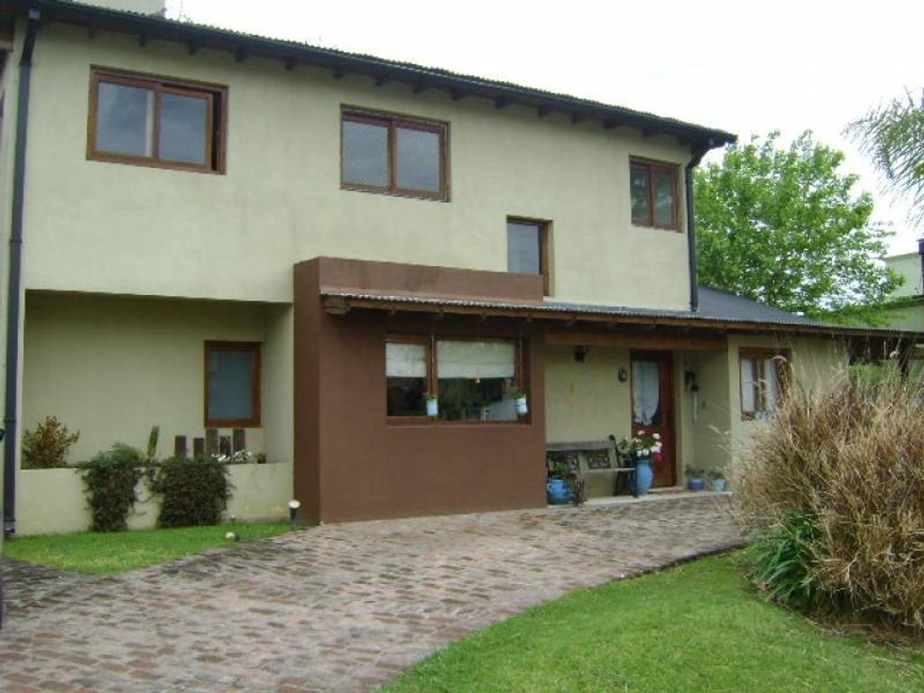 Casa en venta en barrio La Barra Village, Escobar