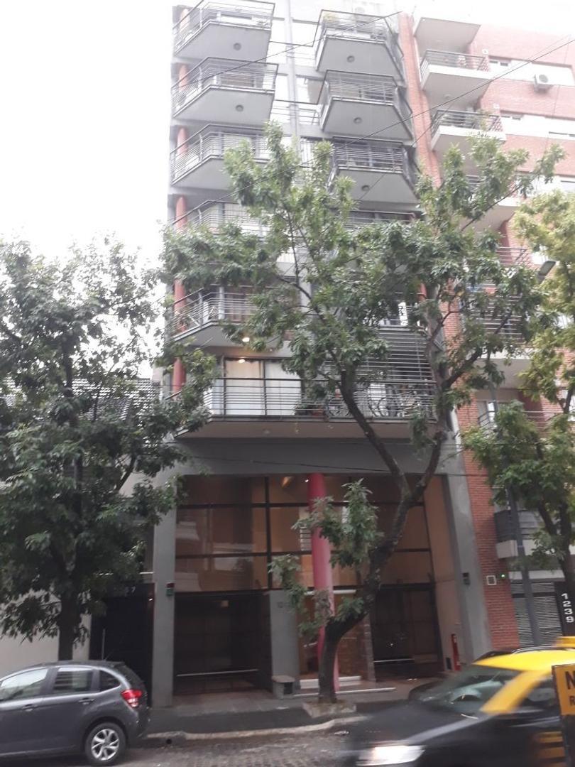 Excelente departamento tipo duplex en Caballito