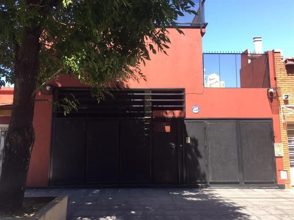 Impecable Casa de Diseño en Villa Pueyrredón - Bolivia Al 5600