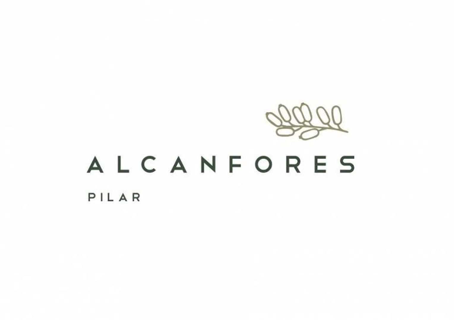 Venta de Lote en Barrio Los Alcanfores - Pilar