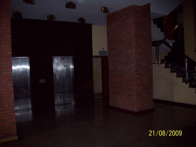 Edificio con oficinas y cocheras - Foto 12