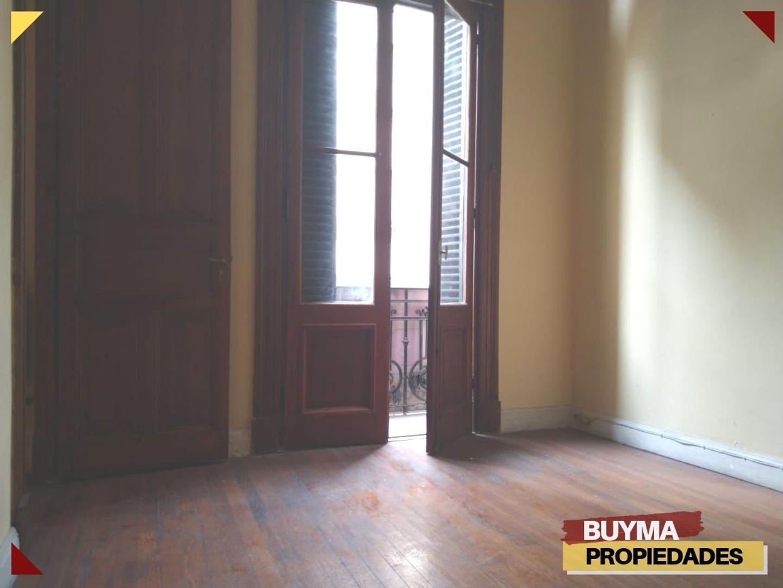 Departamento - 102 m²   4 dormitorios   80 años