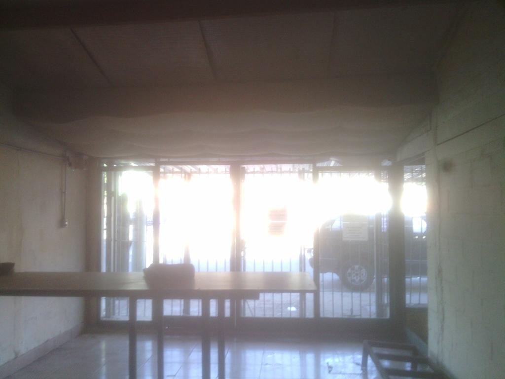 LOCAL CON GALPON AL FONDO. SOBRE AV, JUAN 23