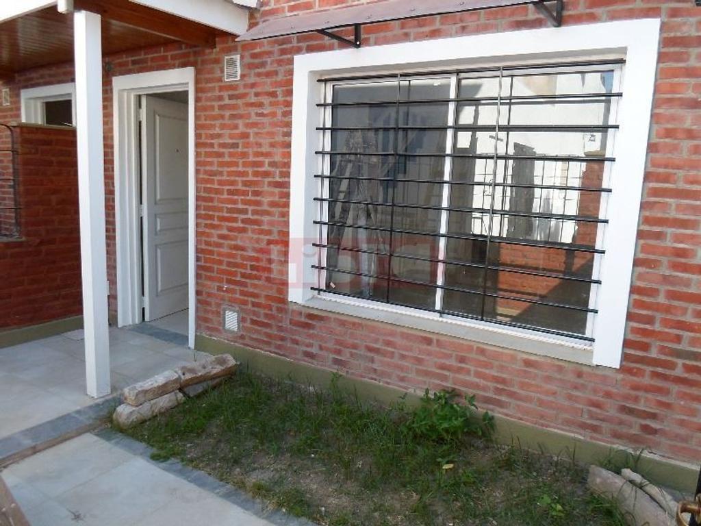 Duplex 4 Amb, c/Cochera compartida descubierta, Patio con Parrilla y Lavadero.