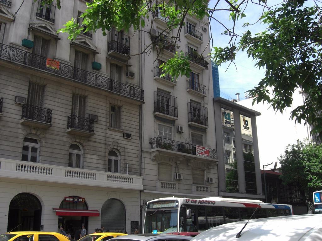 APTO CREDITO, piso 160 m2 cub, 2 patios, 3 dorm, 3 bños, toilette recepc, con dependencias, luminoso