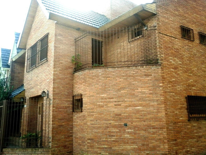 Quevedo 3900 esquina Asunción - Chalet 4 ambientes en 2 plantas - Villa Devoto