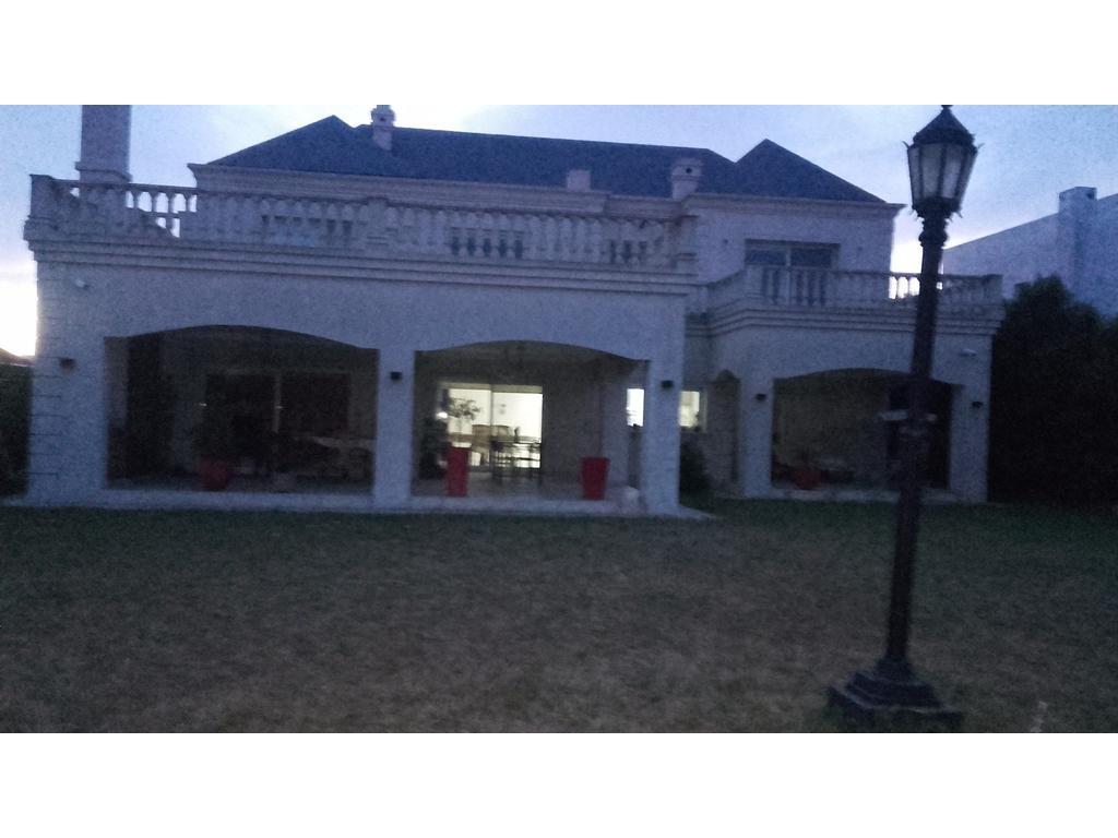Casa exclusiva 3 dormitorios