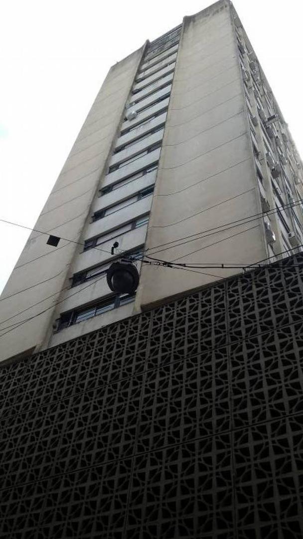 RESERVADO !! COCHERA en venta / Primer piso / San Nicolas