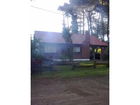 DUEÑO DIRECTO VENDE EXCELENTE CHALET A 3 CDRAS DEL MAR Y 3 DEL CENTRO ANTIGUEDAD 25  AÑOS..