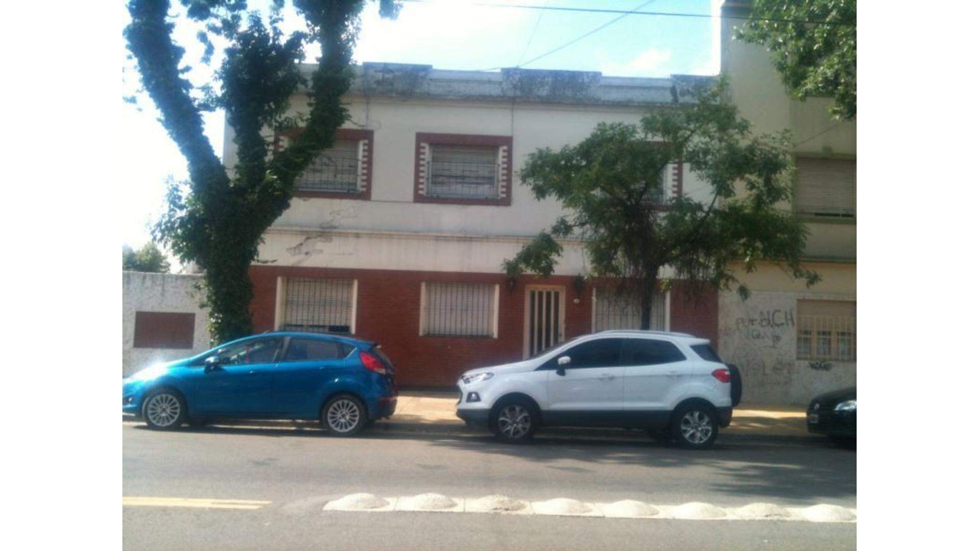 P.H. DE 3 AMBIENTES - PLANTA BAJA AL FRENTE- SIN EXPENSAS- APTO A CREDITO Y A PROFESIONAL-C/PATIO