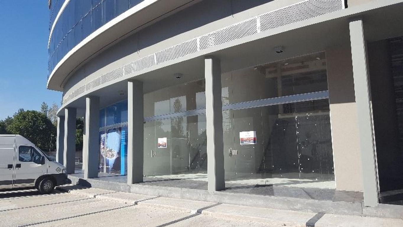 Excelentes locales - Agora III - 46 Plaza