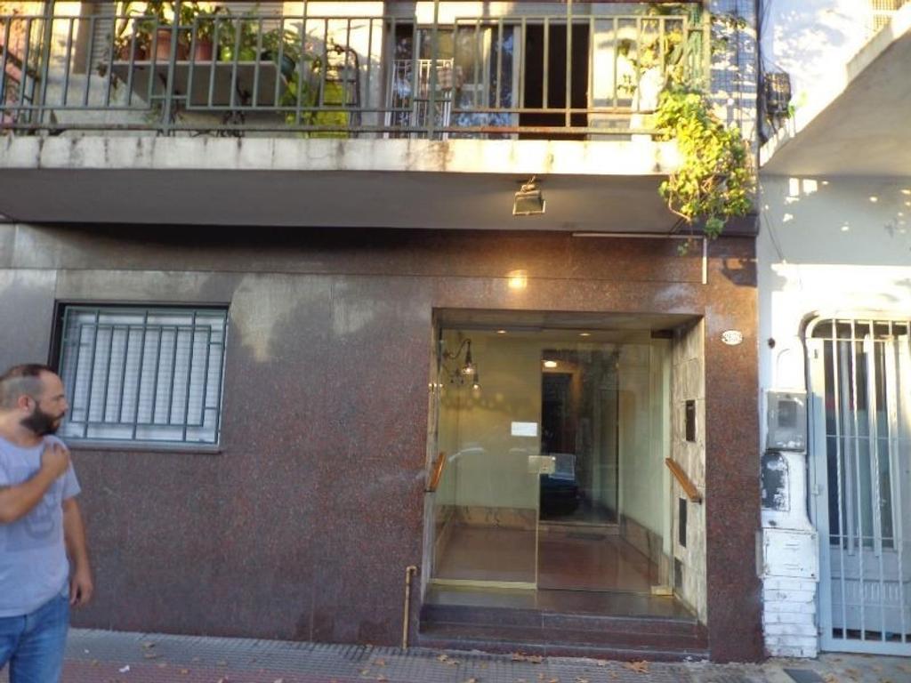 Departamento 2 1/2 ambientes en Pompeya .
