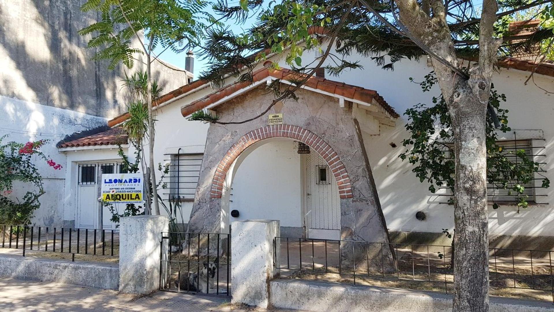 Casa Amplia en Belen de Escobar