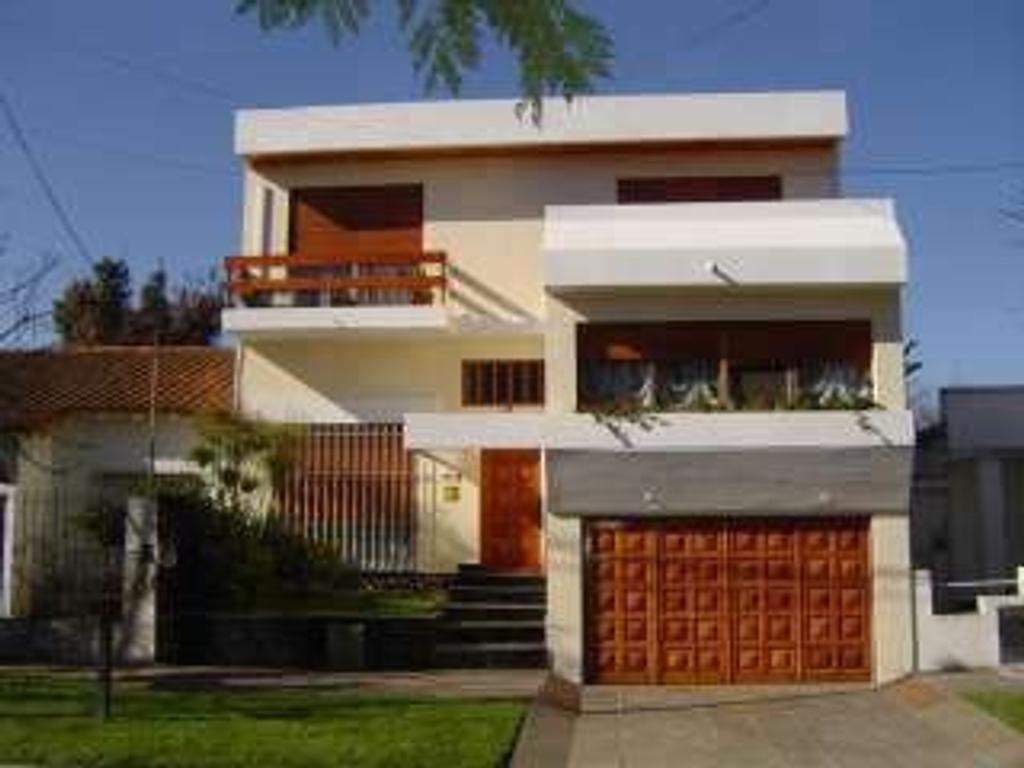 Casa en Venta de 4 ambientes en Buenos Aires, Pdo. de Escobar, Belen De Escobar, Centro