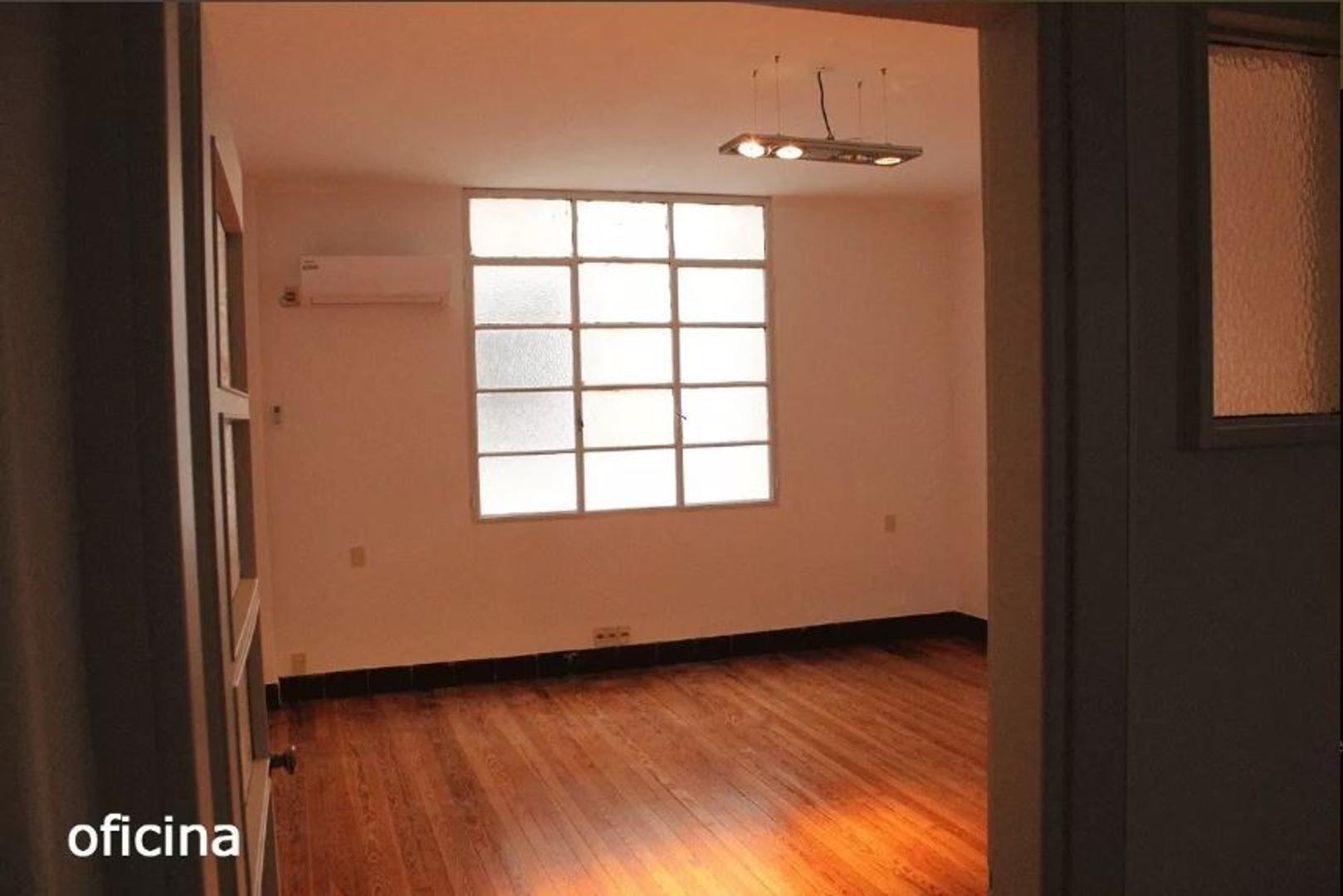 Oficina en Alquiler en Ciudad Vieja - 2 ambientes