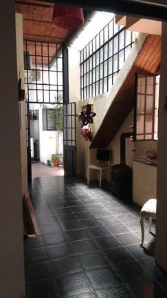ph 3 ambientes planta baja al medio con patio. Diseño moderno.