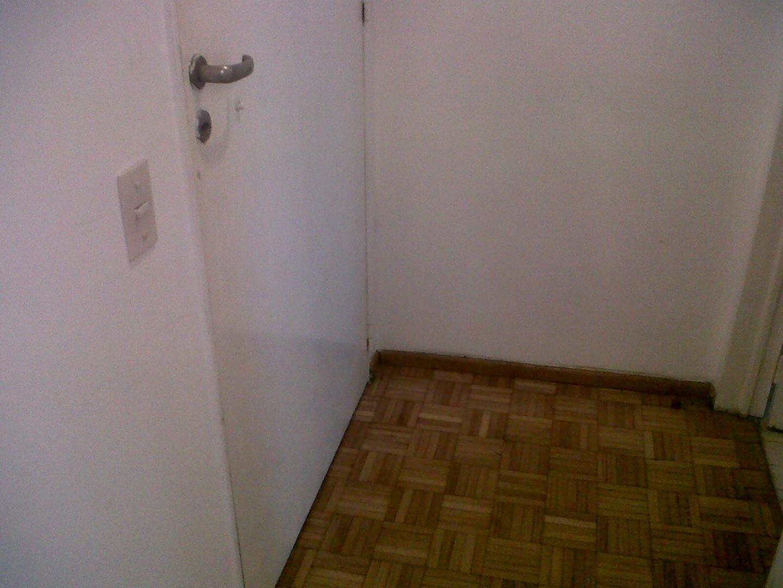 2 amb al fte con vigilancia 24 hs. Dorm c placard, 1 baño completo.44 m2 totales. APTO PROF.