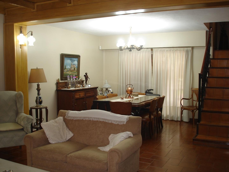 Casa en Venta en Saavedra - 8 ambientes