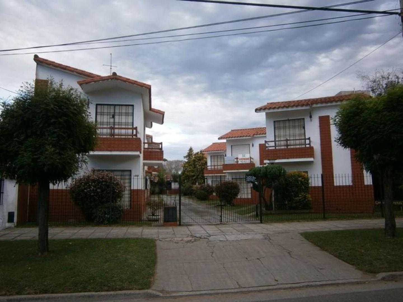 Hermoso Duplex 3 amb. Balcon al fte., patio propio con parrilla y e/auto HERMOSO COMPLEJO. PARA VER!