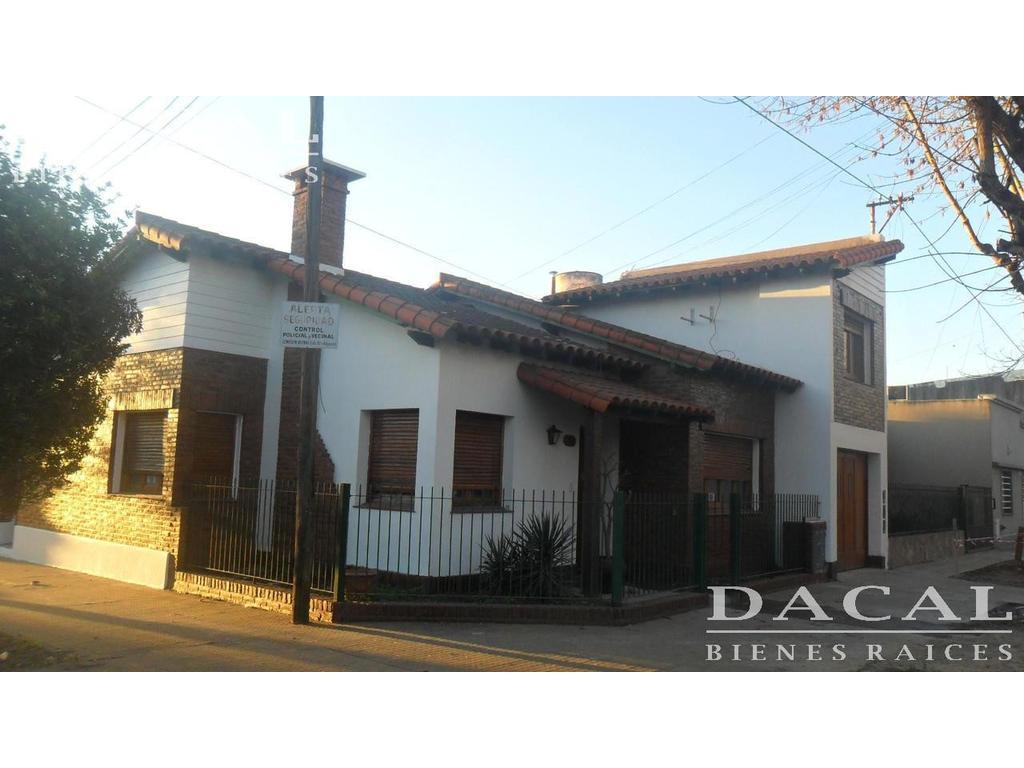 Casa en Alquiler 3 dormitorios La Plata Dacal Bienes Raices