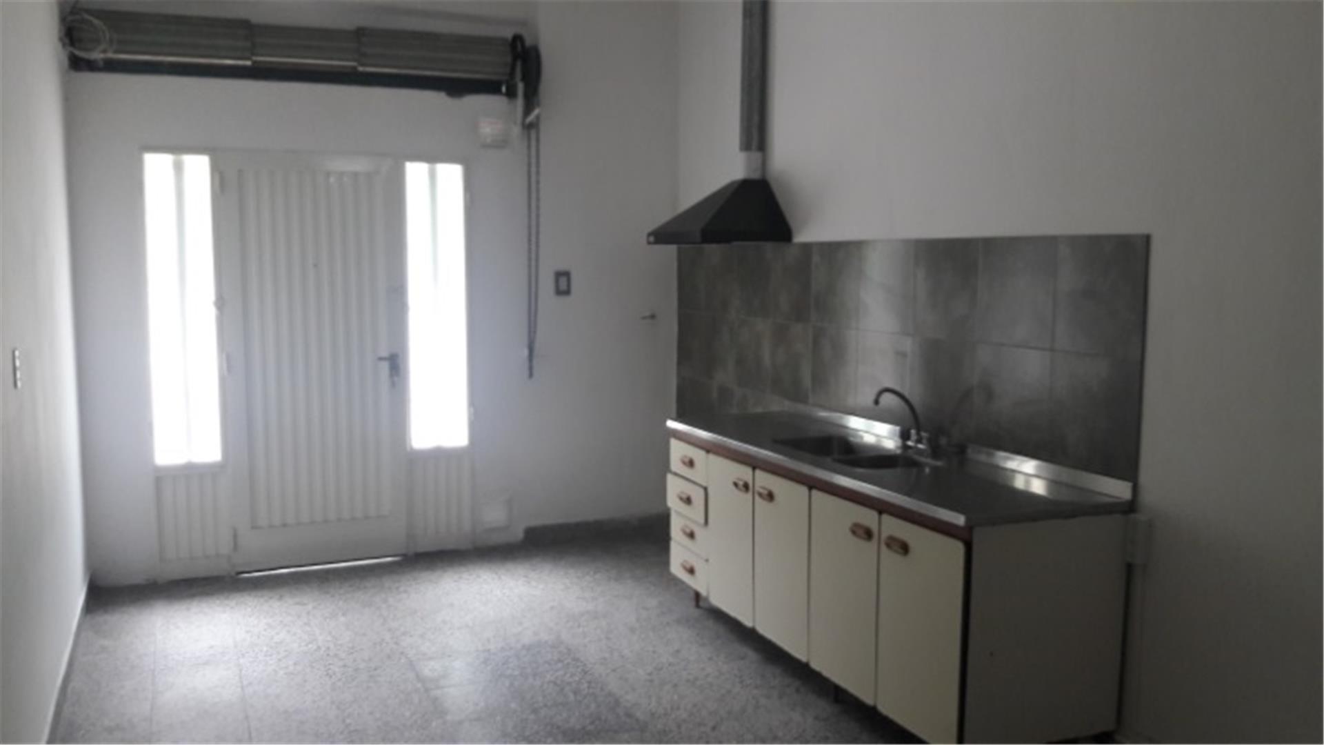Departamento en Alquiler en Villa Luzuriaga - Monoambiente