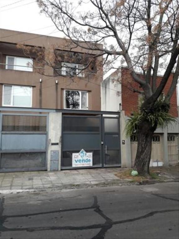 Casa en Venta de 5 ambientes en Buenos Aires, Pdo. de Vicente Lopez, Vicente Lopez, Vicente Lopez Vias / Maipu