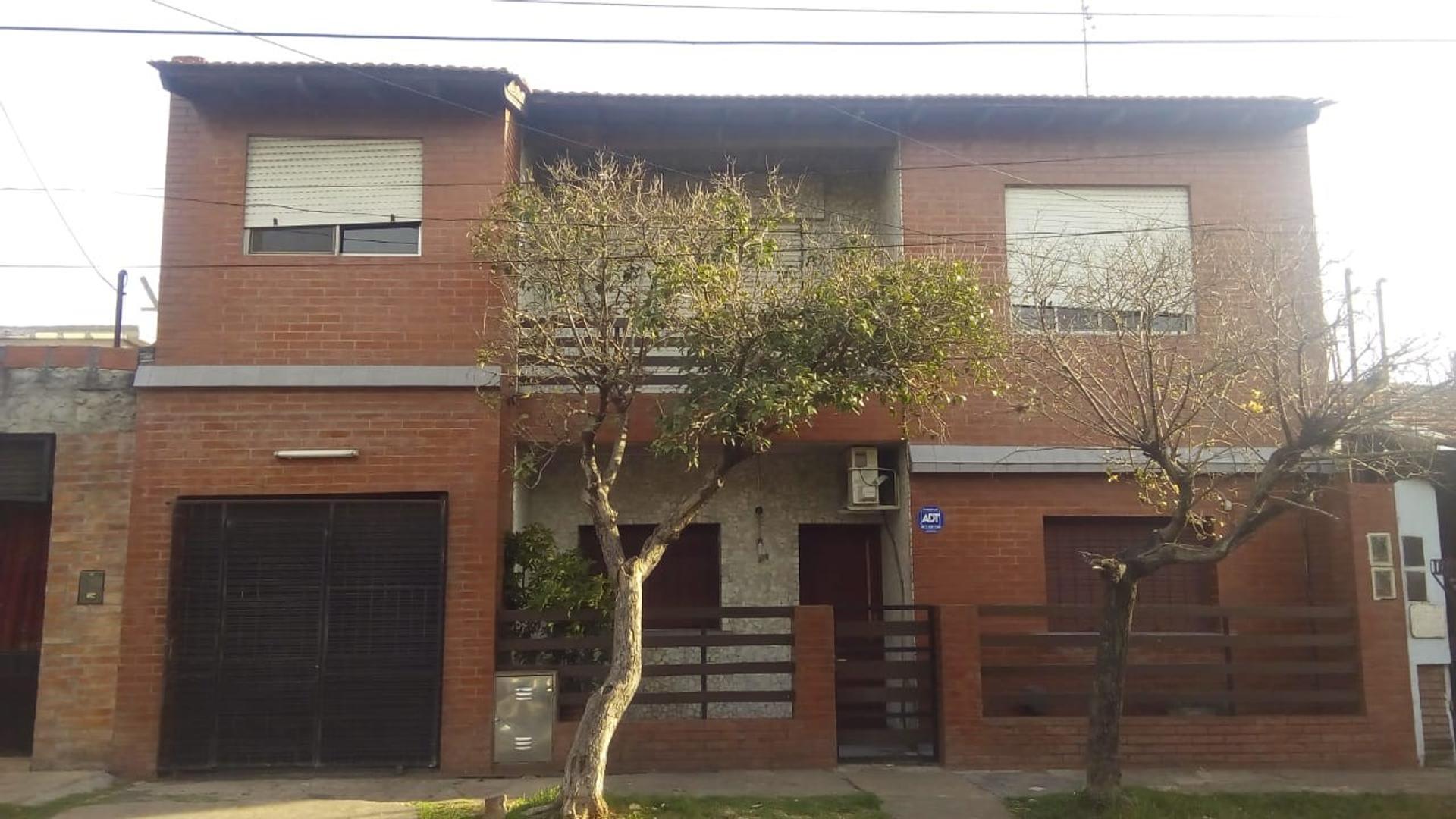 Casa en Venta en Ituzaingo - 5 ambientes