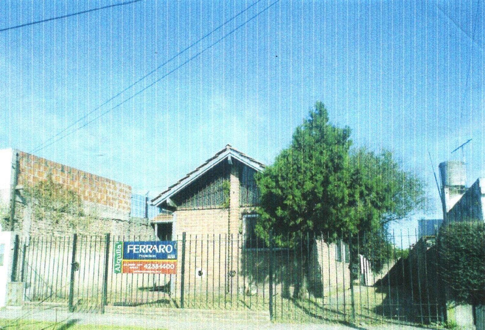 Casa en Alquiler en Burzaco Oeste - 3 ambientes