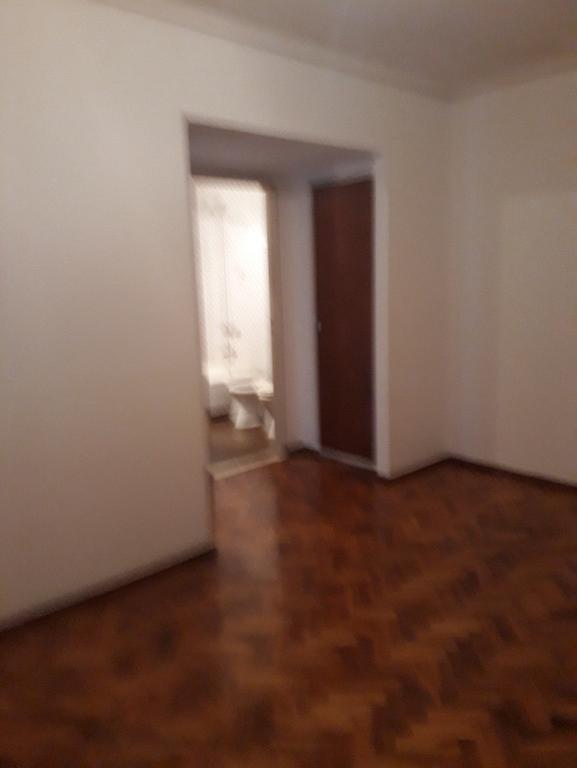 2 Ambientes ,Lateral,Cocina y lavadero independiente, sin balcon Lateral Muy buen estado