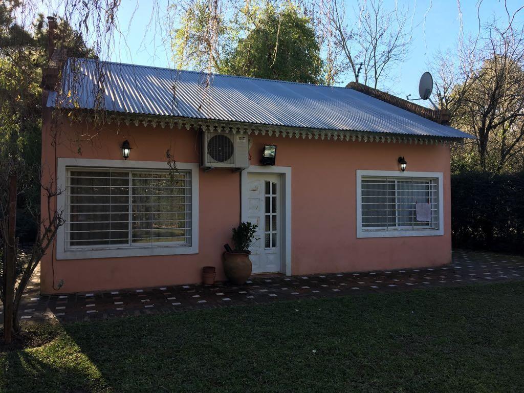 Casa quinta, en venta arbole frutales, piscina Barrio El CAZADOR, SOBRE LOTE 800 MTS