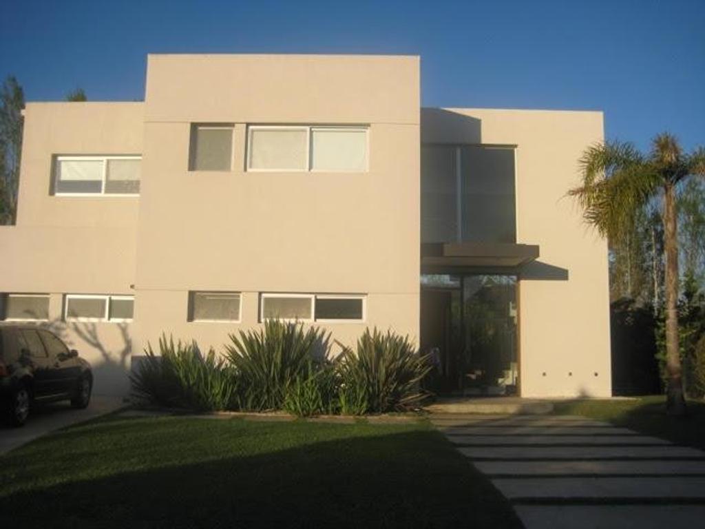 Susana Aravena Propiedades-KE-Excelente casa en Alquiler Temporal-Barrio St Matthews