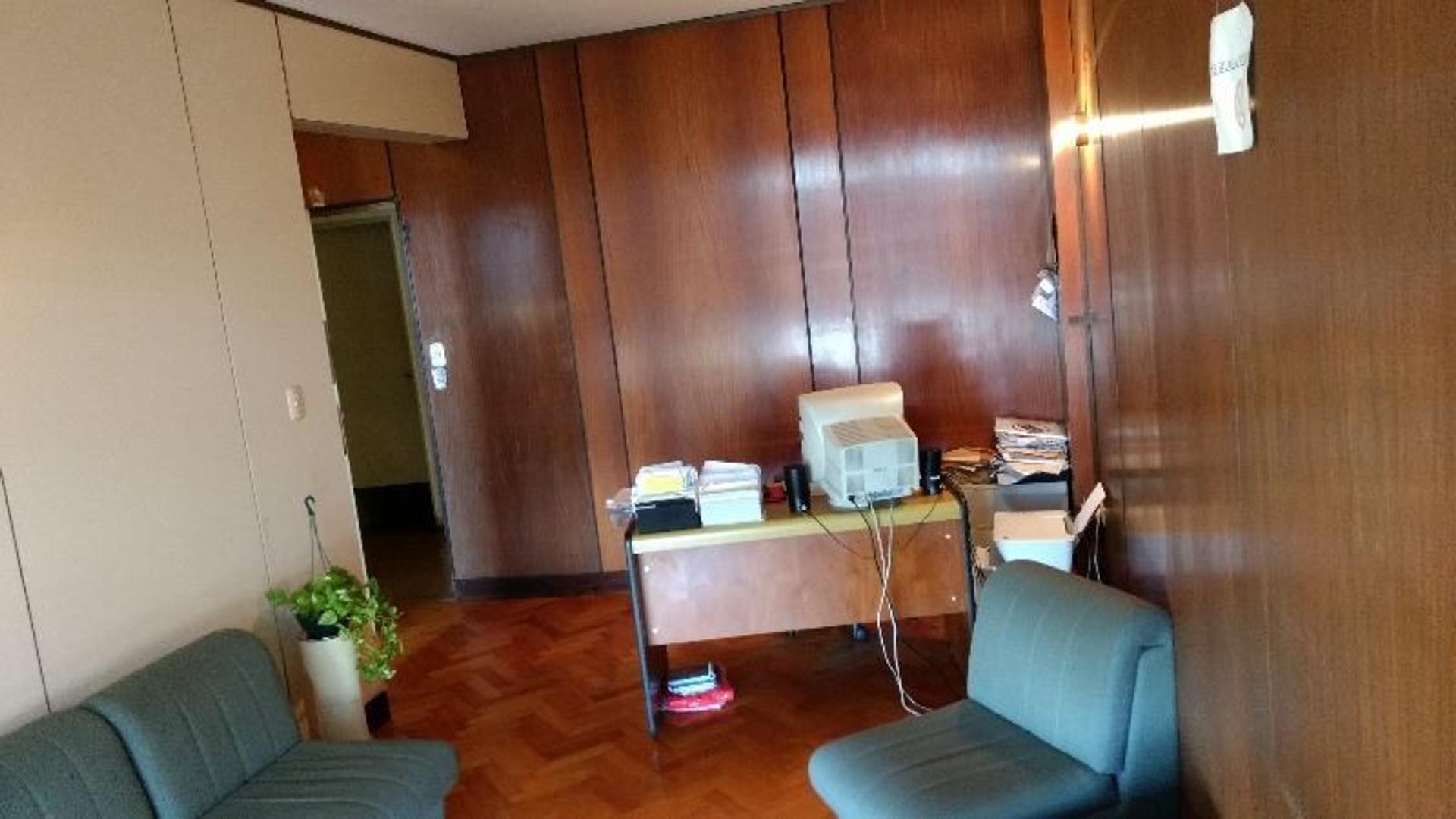 Departamento de 3 Ambientes (actualmente consultorio Odontológico)