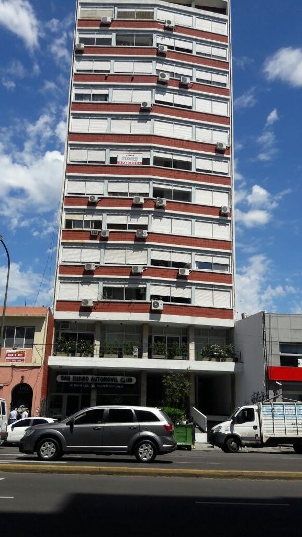 Tres ambientes mas dependencia en Martínez