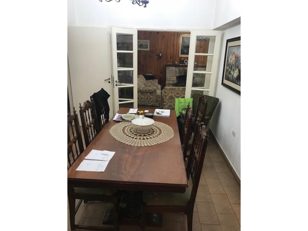 Casa 3 dorm.1 escritorio, Jardín, Quincho y piscina